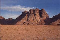 Reflexão - A foto é do Monte Sinai
