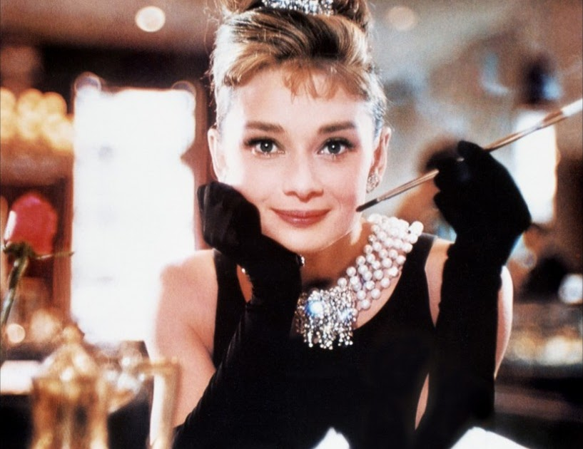 Summer all year round audrey hepburn fashion icon for Diamants sur canape