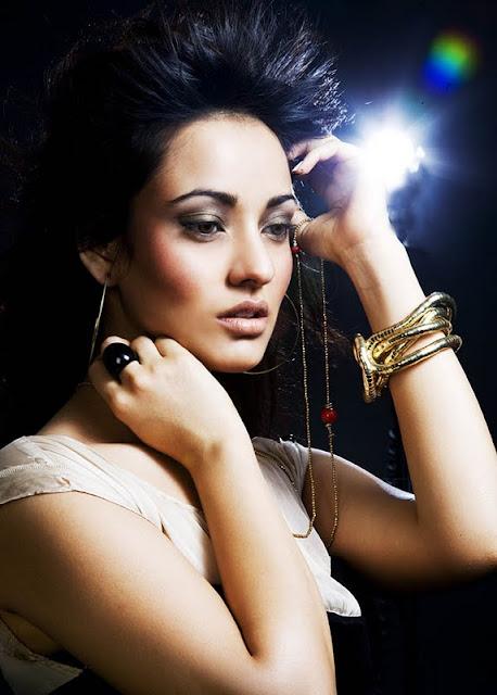 Neha Sharma Sizzling hot7