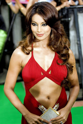 red hot bipasha basu