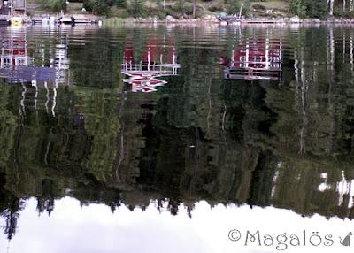 Spegling i vattnet på mitt paradis.
