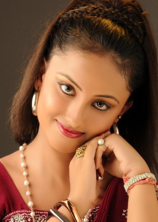 Oriya Actress Riya looking very beauty and lovely