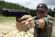http://www.aluth.com/2013/10/pistol.html
