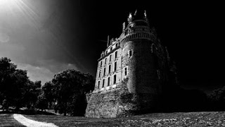 The most frightening castles in the world you must see
