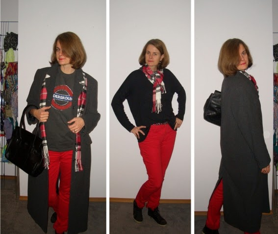 Langer Mantel aus dunkelgrauer Wolle im Blazerschnitt