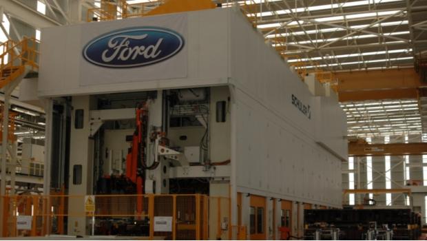 oconal 'rompe' con Ford por no invertir en México