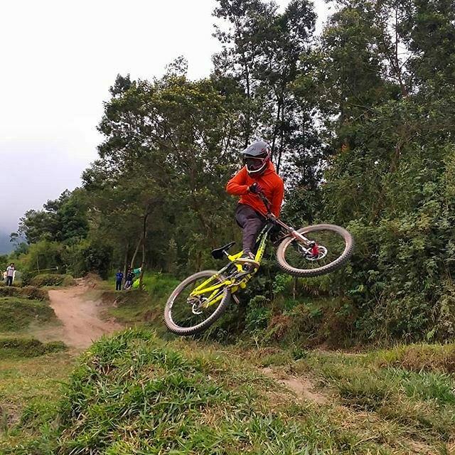 Spot Downhill Di Bukit Klangon