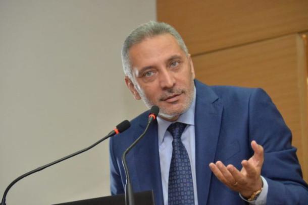 """مولاي حفيظ العلمي: """"المغرب لديه إمكانية إنتاج 1000 كمامة صناعية أسبوعيا"""""""
