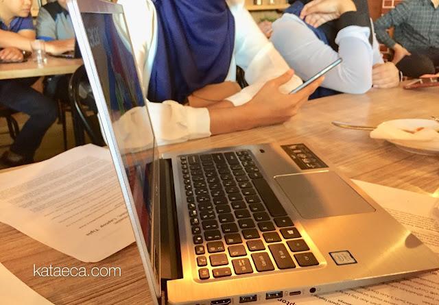laptop tipis keren