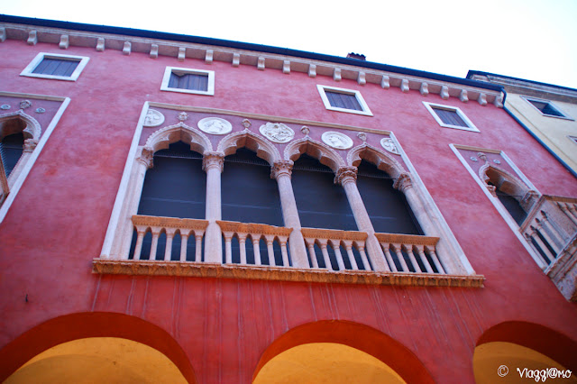 Scorcio della facciata di un'abitazione di Vicenza