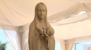 Imagen de la Virgen María «Madre de los nacidos y no nacidos» conmueve Ecuador