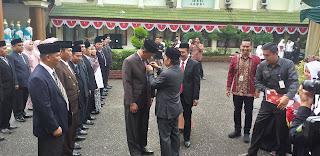 Gubernur Jambi Irup Hari Amal Bakti Ke-74 Kanwil Kemenag Ďan Berikan Penghargaan Kepada ASN Bekerja Selama Puluhan Tahun.