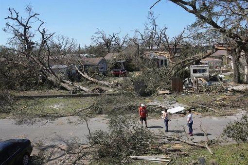 Más de mil personas desaparecidas en EE.UU. por huracán Michael
