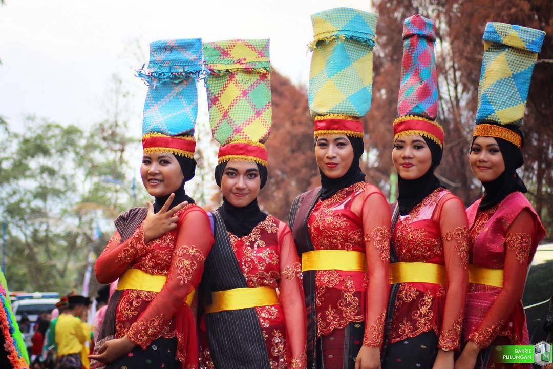 SANGGAR NUSANTARA DOT COM Jakarta SEWA BAJU ADAT