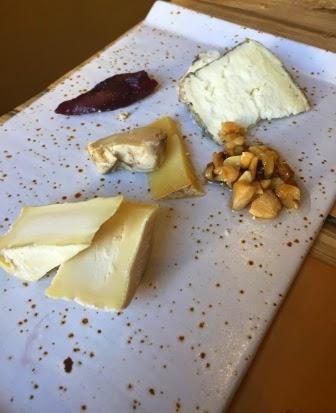 La-panxa-del-bisbe-formatges