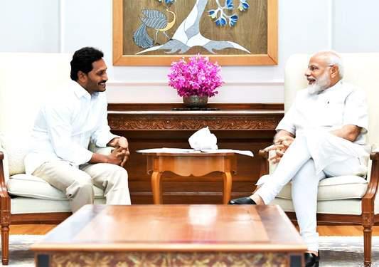 वाईएसआरसीपी प्रमुख जगन मोहन ने पीएम मोदी से की मुलाकात,शपथग्रहण की लिए किया आमंंत्रित