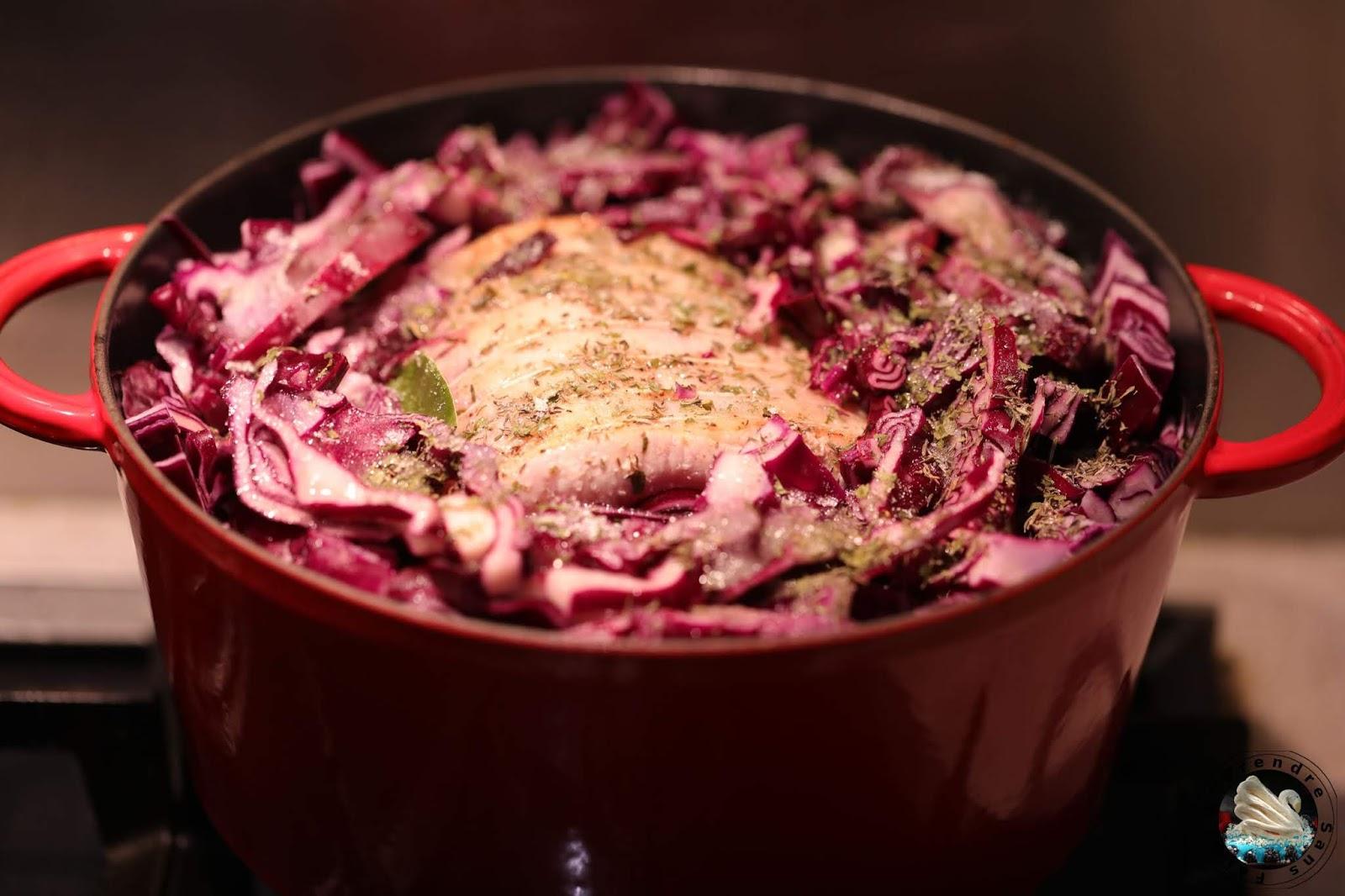 Cocotte de rôti de porc au chou rouge