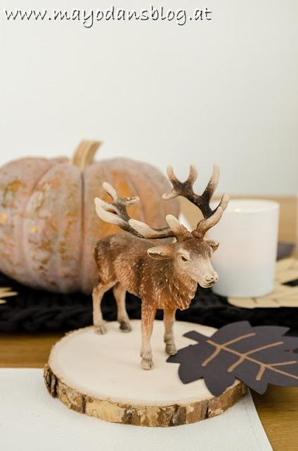 Herbstlich gedeckter Tisch