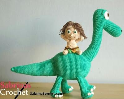 Динозавр Арло и малыш Спот крючком