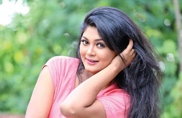 Moushumi Hamid Bold Images Gallery