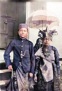pengantin pria dan wanita di gunungsitoli nias