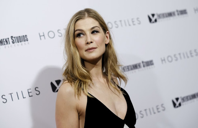 Rosamund Pike wins Best Actress for I Care a Lot at the Golden Globes 2021. She crushed any semblance of Maria Bakalova and Kate Hudson to lift the Best Actress prize.