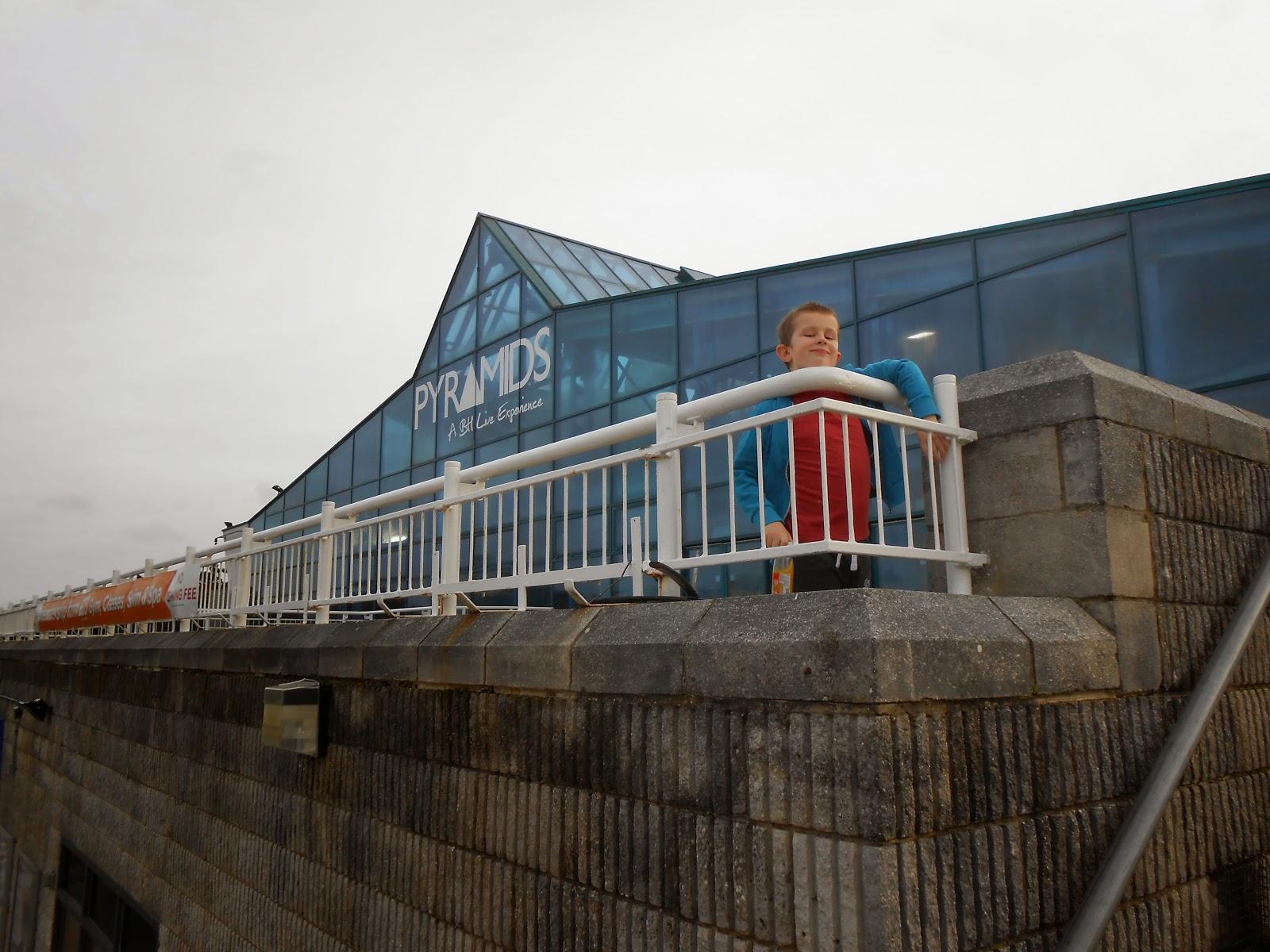Professor mungleton december 2014 for Pyramid swimming pool portsmouth