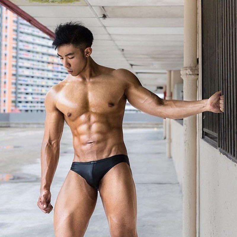 nude-male-sexy-tan-guy-booty-nude-women