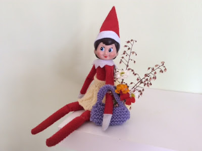 Elf on the Shelf skirt and bag knitting pattern