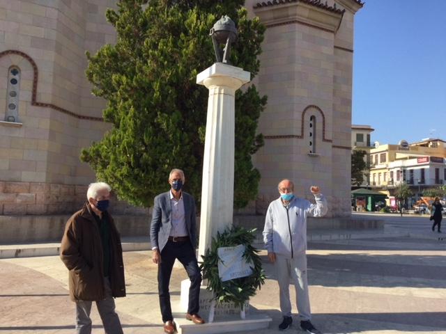 Με συμβολική κατάθεση στεφανιών τίμησε η Νομαρχιακή Επιτροπή του ΣΥΡΙΖΑ Αργολίδας το Πολυτεχνείο