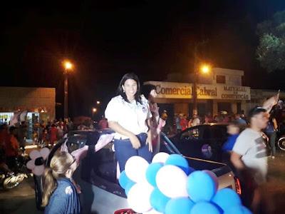 Juliana cordeiro realiza comício em Córrego