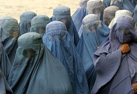 https://i1.wp.com/1.bp.blogspot.com/--01olw5W40c/UDgZu8nx2_I/AAAAAAAAG3s/ZkieTO7fMBg/s1600/Afghan-women-burka.jpg
