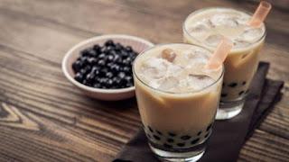 Es cappuccino drink with boba
