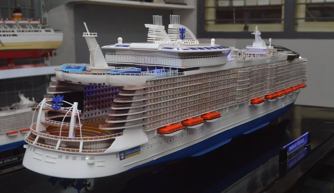desain sketsa miniatur kapal pesiar oasis of the seas royal caribbean international cruises ship unik