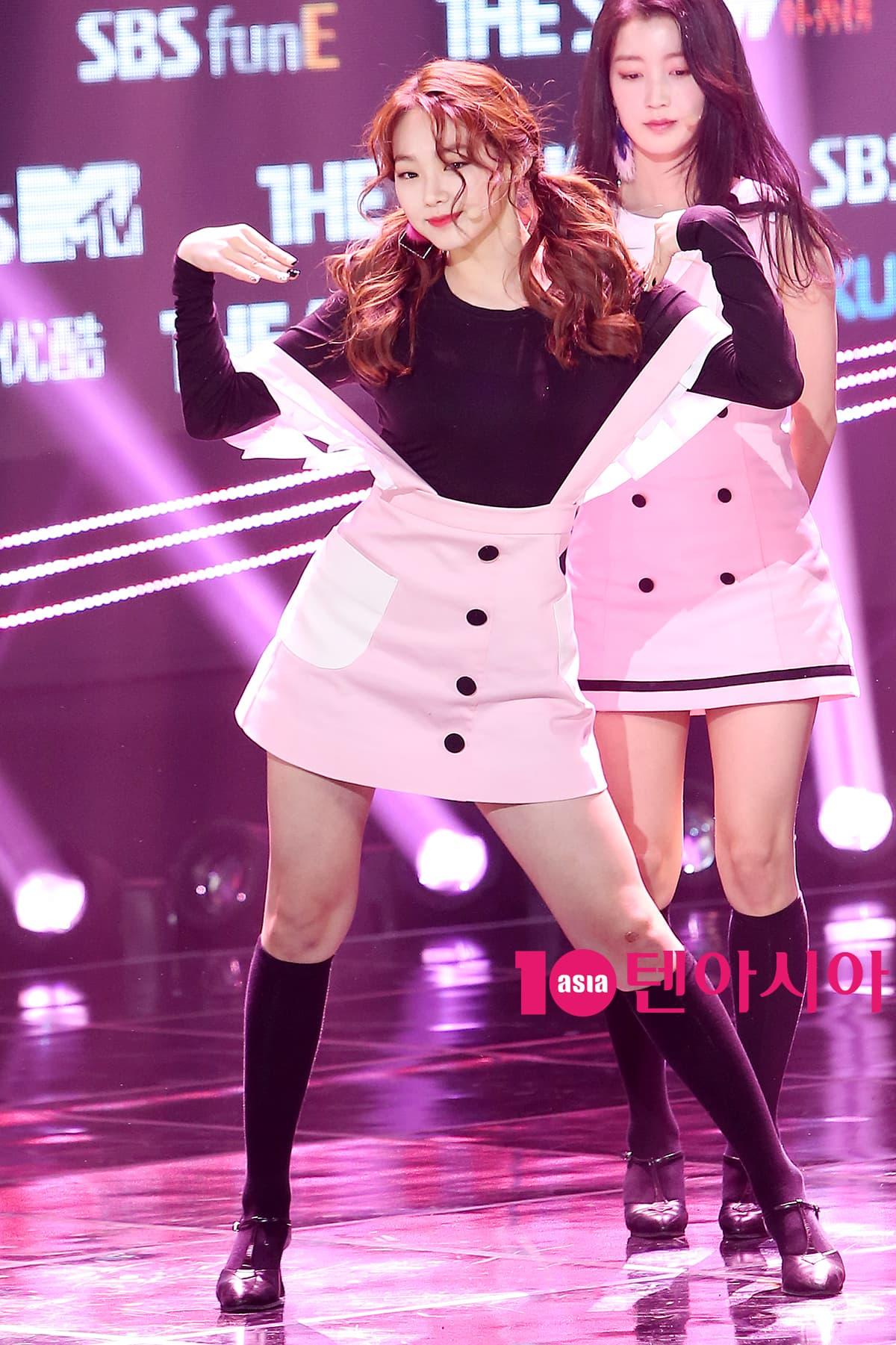 170314 gugudan - SBS MTV 'The Show' S05E104 - 63p