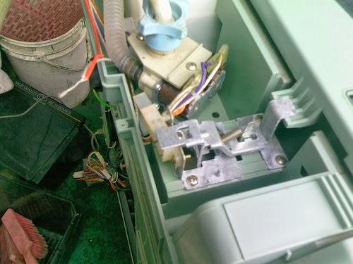 小二電器維修-2手-零件-宅配: SW-14DV1--13DV1--15DV1 三洋洗衣機故障碼ED--EA檢修(小二電器維修-2手買賣-中古零件)