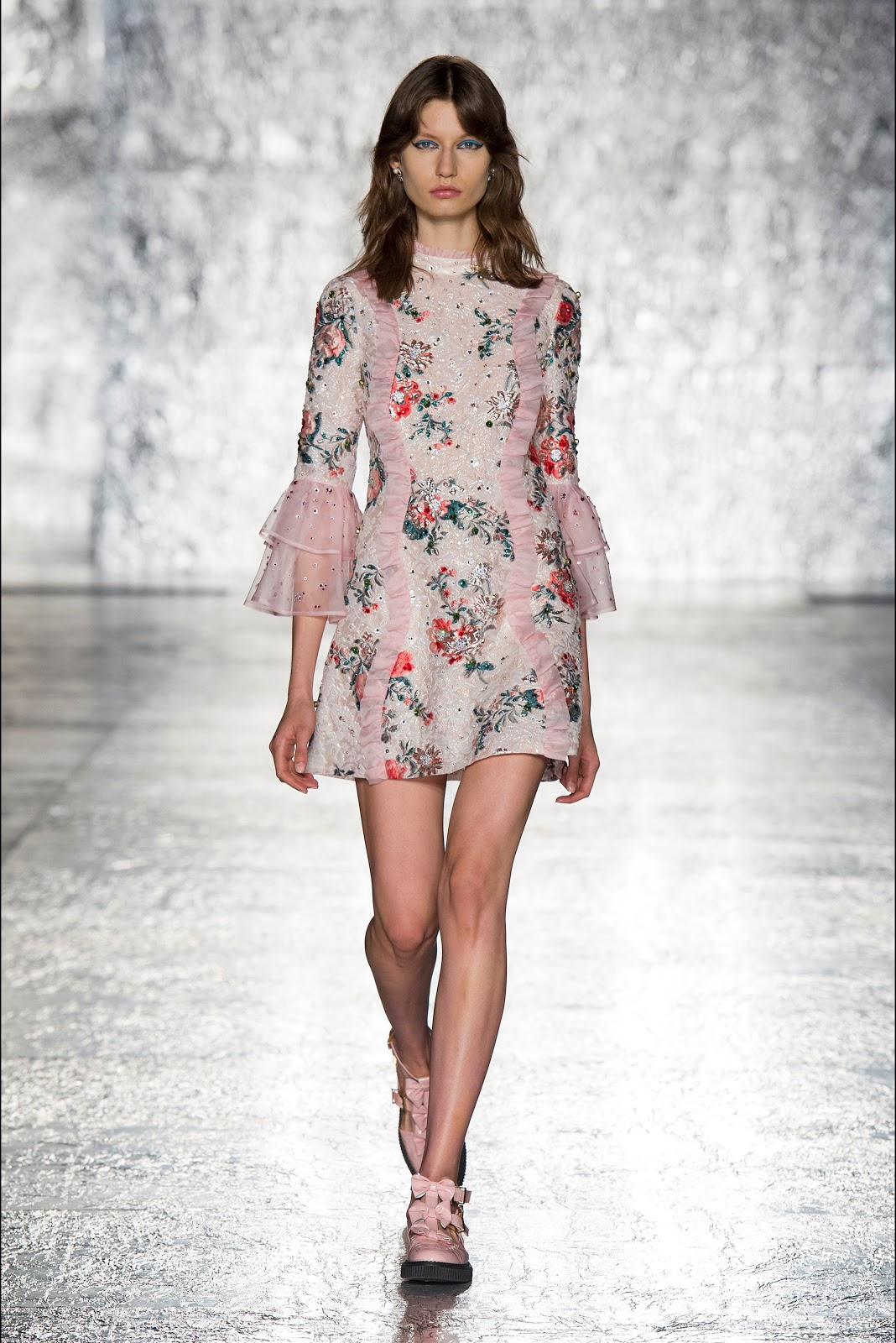 foto de Runway Vivetta Spring Summer 2017 Ready To Wear MFW Cool Chic Style Fashion