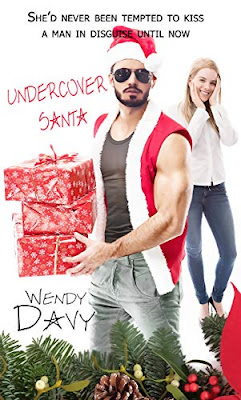 Undercover Santa (Christmas Holiday Extravaganza) by Wendy Davy