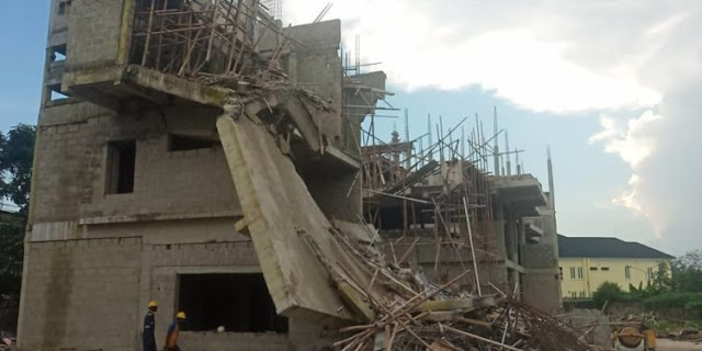 Many Trapped As Building Collapses In Ikoyi, Lagos State