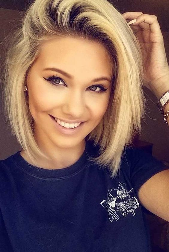 15 popular short hairstyles for round face shape side swept