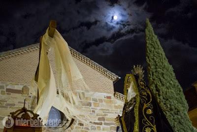 http://interbenavente.es/not/15918/la-luz-de-las-tinieblas-se-convierte-en-procesion/