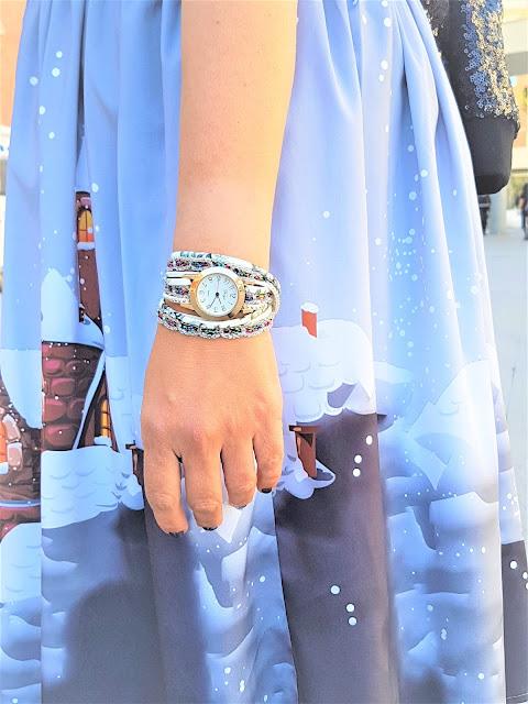 https://www.rosegal.com/women-s-watches/rhinestone-wrap-bracelet-watch-1006423.html?lkid=12152346