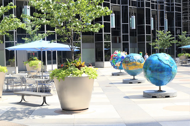 Globes in Pittsburgh