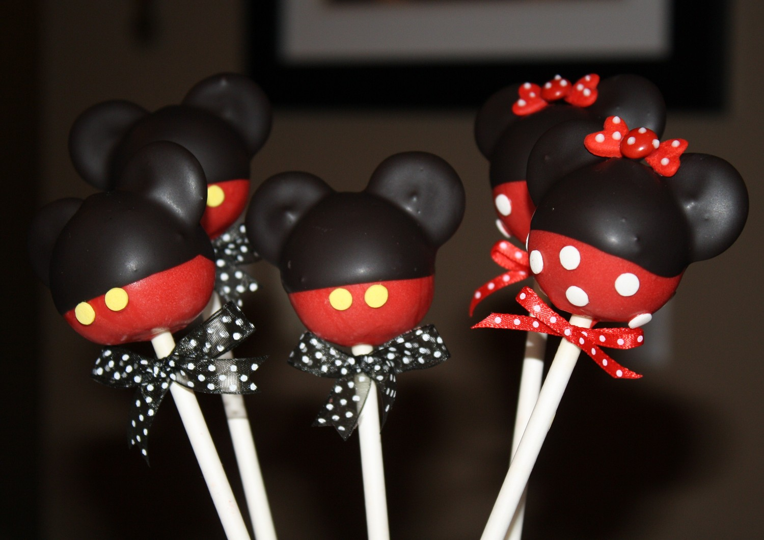 Mickey Mouse Cake Pops Machine