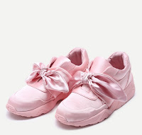 http://fr.shein.com/Bow-Tie-Design-Satin-Sneakers-p-353023-cat-1913.html
