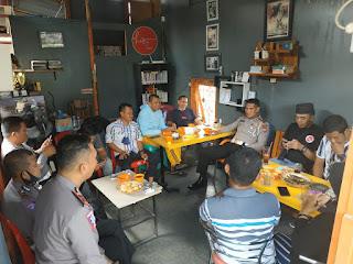 Kasat Lantas Polres Bone Ngopi Bareng Dengan Wartawan, ini Tujuaanya?.