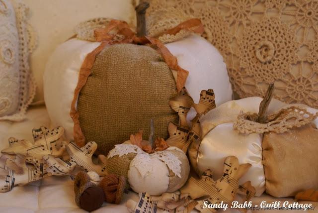 тыквы винтажные, Красивые текстильные тыквы: мастер-классы и идеи, Hallows' Eve, All Saints' Eve, на Хэллоуин, тыквы, тыквы текстильные, тыквы из ткани, тыквы для интерьера, тыквы текстильные, тыквы на Хэллоуин, тыквы своими руками, своими руками, интерьерный декор, декор на Хэллоуин, мастер-классы, Хэллоуин, идеи текстильных тыкв, фотоидеи, праздничный декор, День Благодарения, Праздник урожая, украшение интерьера тыквами, Красивые текстильные тыквы: мастер-классы и идеи, http://prazdnichnymir.ru/, Винтажные тыквы из ткани на мягкие текстильные тыквы своими руками, как сделать тыкву из ткани своими руками мастер-класс, тыквы из ткани идеи, красивые тыквы из ткани фото, как сшить тыкву из ткани, как сшить подушку в виде тыквы, как сшить игольницу в виде тыквы своими руками, простой мастер-класс по изготовлению текстильной тыквы, тыквы из текстиля идеи, красивые тыквы из текстиля фото, красивые тыквы из разных материалов, как легко сшить тыкву мастер-класс, из чего можно сделать тыку, красивые игольницы из ткани, красивые диванные подушки, мягкая игрушка тыква мастер-класс, тыква в винтажном стиле, тыква в стиле шебби шик, тыква из трикотажа, как украсить текстильную тыкву идеи, тыквы для уклонения дома, осенний декор для дома в виде тыковок, оригинальные тыквы из текстиля, украшения для интерьера в виде тыквы, интерьерный декор на день Благодарения, интерьерный декор на праздник урожая, осенний декор, игольницы в виде овощей, подушки в виде овощей идеи, мастер-клааа по шитью тыквы, как сшить подушку тыкву мастер клас с пошаговым фото, как сшить игольницу пошаговый мастер-класс, Веселые тыквы из цветных тканей (МК), Игольница «Тыква» своими руками, Красивая фигурная тыква из ткани Текстильная тыква с хвостиком (МК), Тыква-игольница — оранжевое осеннее настроение, «Тыква» — декоративная подушка (МК), Тыковка за 20 минут для не умеющих шить Тыковка с фигурными листиками, Фигурная тыква с бантиком (МК),Хэллоуин своими руками