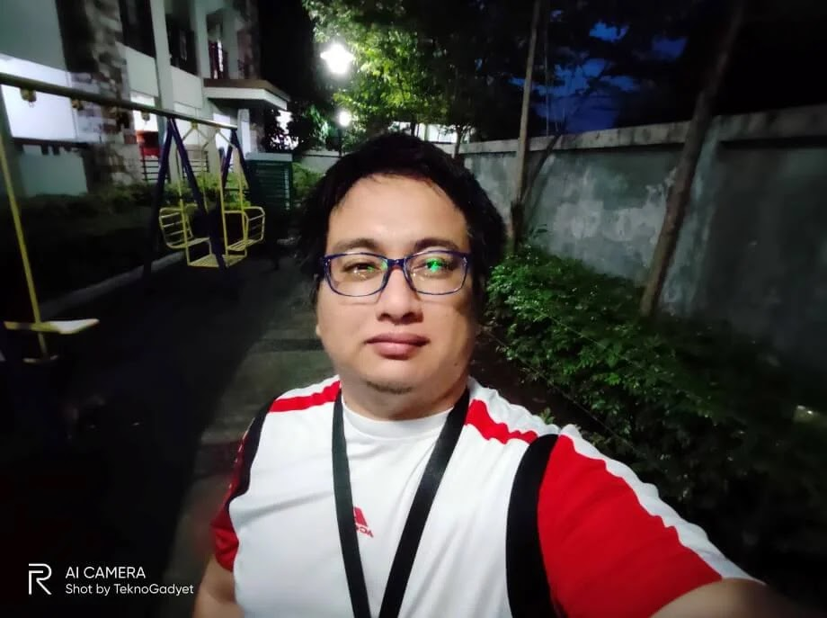Realme 6 Pro Camera Sample - Outdoor, Evening, Selfie
