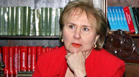 Blanca Mármol de León: El presidente no demuestra su nacionalidad pero si le preocupa la del Magistrado, qué apropiado