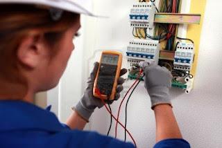Electricistas: reparación urgente
